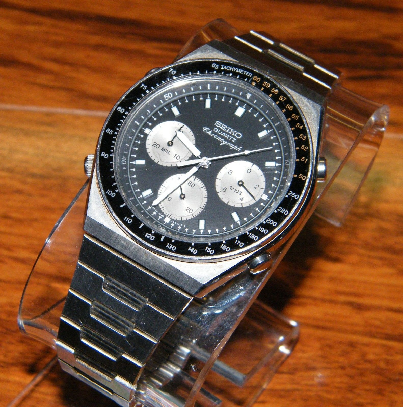 Seiko 7A28-703B black face